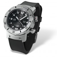 4000M deep divers watch with rubber strap
