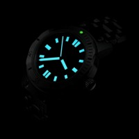 Superluminova Diver