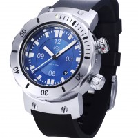 Pacific Horizon blue diver